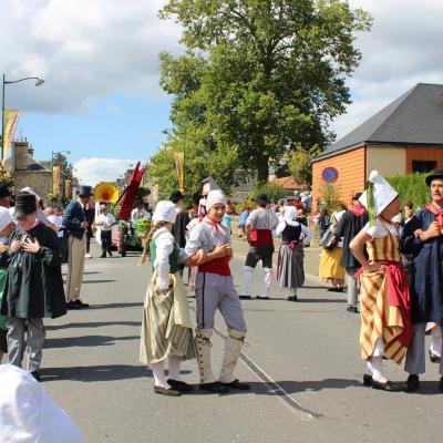 Défilé rue Maréchal Foch