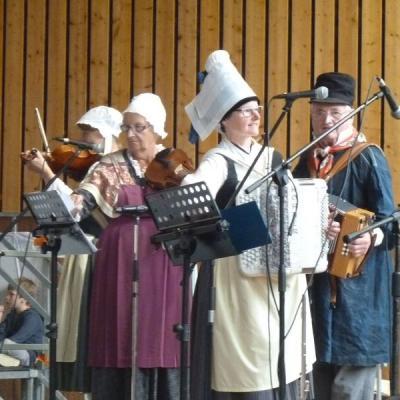 Musicienne du Trou Normand