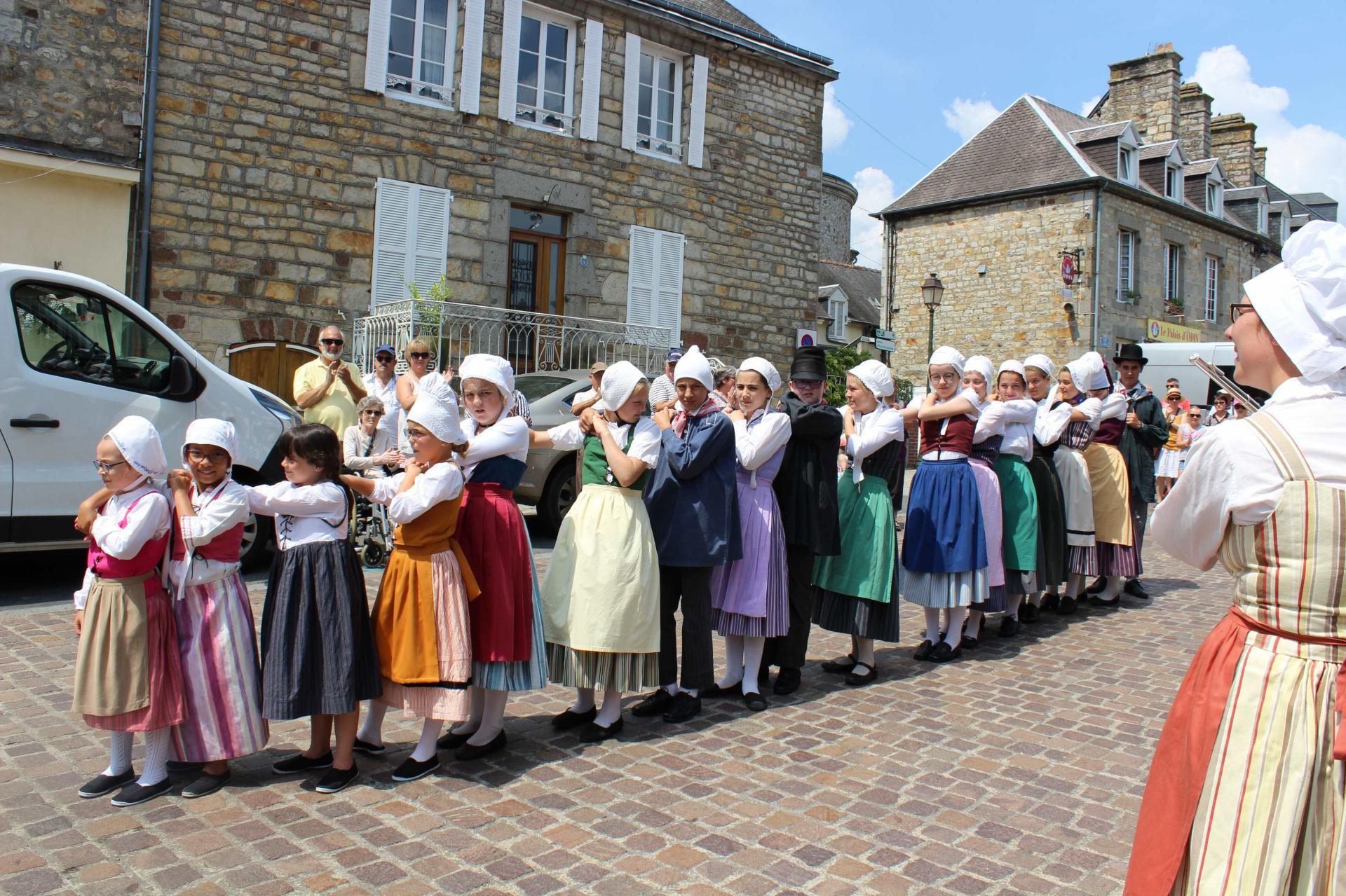 Aubades - Le Trou Normand