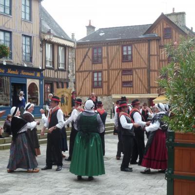 Aubade dans les rues - Groupe Breton2